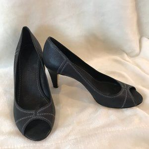 Banana Republic Black Peep Toe Heels 8
